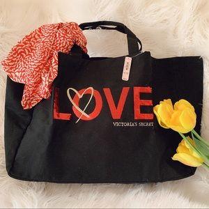Victoria's Secret tote bag with a heart ♥️ 🌺🌺🌺